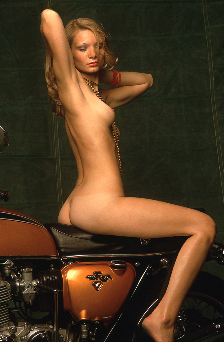 085-1977-german-girl-biker-playboy
